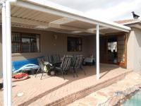 Patio - 28 square meters of property in Durbanville
