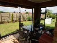 Patio - 13 square meters of property in Brakpan