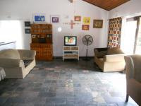 Lounges - 74 square meters of property in Uvongo