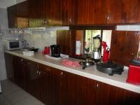 Kitchen - 30 square meters of property in Uvongo