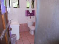 Bathroom 1 - 5 square meters of property in Uvongo