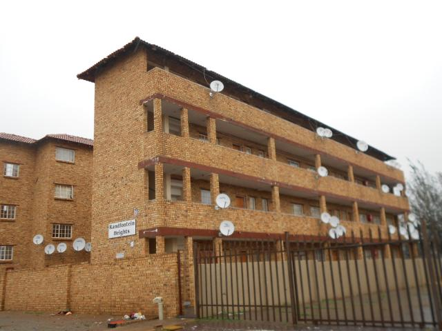 1 Bedroom Apartment for Sale For Sale in Randfontein - Private Sale - MR101904