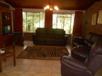 Lounges - 85 square meters of property in Hartbeespoort
