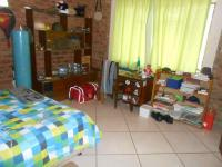 Bed Room 1 - 33 square meters of property in Hartbeespoort