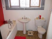 Main Bathroom - 5 square meters of property in Pennington