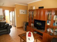 Lounges - 14 square meters of property in Celtisdal