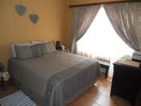 Main Bedroom - 14 square meters of property in Celtisdal