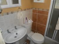 Main Bathroom - 2 square meters of property in Celtisdal