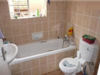 Bathroom 1 - 6 square meters of property in Elarduspark