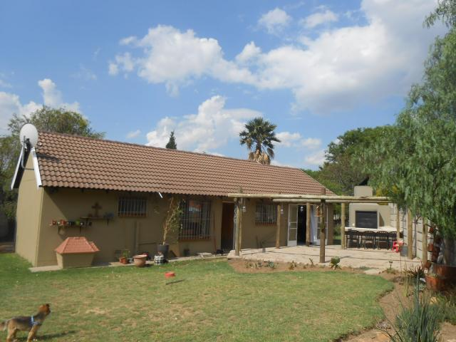 2 Bedroom House for Sale For Sale in Bloubosrand - Private Sale - MR101971