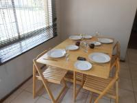 Dining Room - 9 square meters of property in Bloubosrand