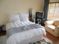 Main Bedroom - 15 square meters of property in Chantelle