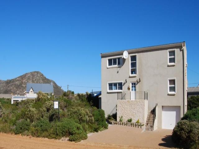 3 Bedroom House for Sale For Sale in Pringle Bay - Home Sell - MR101989