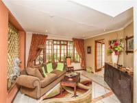 Lounges of property in Douglasdale