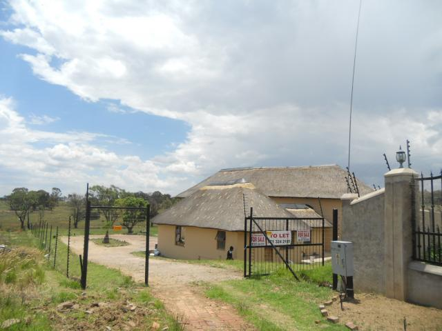 Smallholding For Sale in Mnandi AH - Private Sale - MR102031