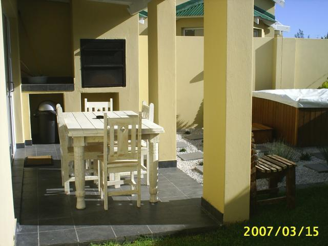 3 Bedroom House For Sale in Jeffrey's Bay - Private Sale - MR102144