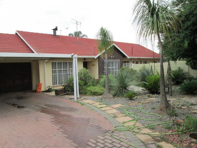 Standard Bank EasySell 3 Bedroom House for Sale For Sale in Birchleigh - MR102158
