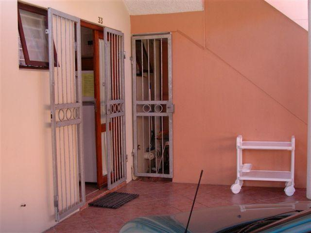 1 Bedroom Apartment For Sale in Uvongo - Home Sell - MR102168