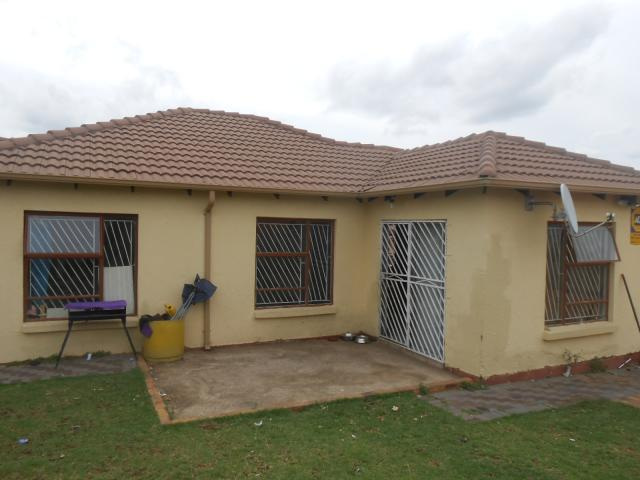 3 Bedroom House For Sale in Cosmo City - Private Sale - MR102194
