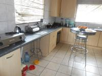 Kitchen - 22 square meters of property in Kew