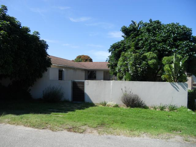 3 Bedroom House for Sale For Sale in Plettenberg Bay - Home Sell - MR102328