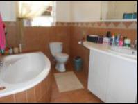 Bathroom 1 of property in Randfontein