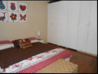 Main Bedroom of property in Randfontein