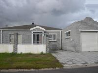 3 Bedroom 2 Bathroom in Rondebosch