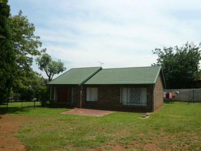 3 Bedroom House for Sale For Sale in Heuweloord - Home Sell - MR10305
