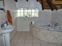 Main Bathroom - 5 square meters of property in Randpark