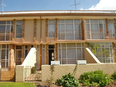 3 Bedroom Duplex for Sale For Sale in Krugersdorp - Private Sale - MR10321