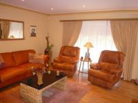 Lounges - 26 square meters of property in Parklands