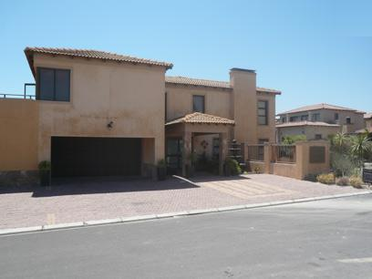 3 Bedroom House for Sale and to Rent For Sale in Bloubergstrand - Home Sell - MR10325