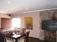 Dining Room - 33 square meters of property in Bloubergstrand