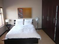 Bed Room 1 - 21 square meters of property in Bloubergstrand