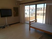 Lounges - 56 square meters of property in Bloubergstrand