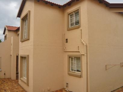 2 Bedroom Simplex for Sale For Sale in Strubensvallei - Home Sell - MR10336