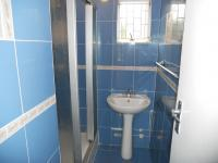 Bathroom 1 - 5 square meters of property in Isipingo Beach