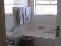 Bathroom 2 - 8 square meters of property in Table View