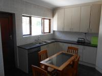 Kitchen - 31 square meters of property in La Rochelle - CPT