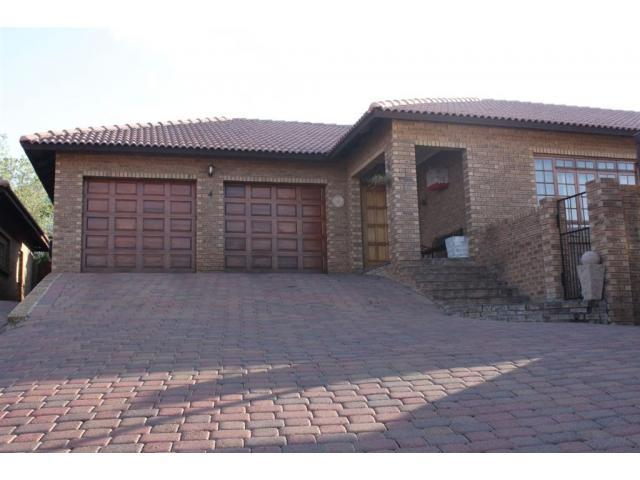 3 Bedroom House for Sale For Sale in Emalahleni (Witbank)  - Home Sell - MR103468