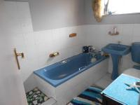 Bathroom 2 - 6 square meters of property in Dawnview