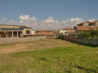 Land in Olivedale