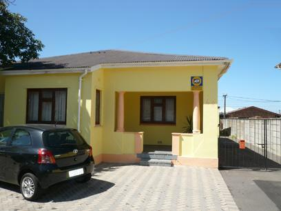 3 Bedroom House For Sale in Parow Central - Private Sale - MR10354