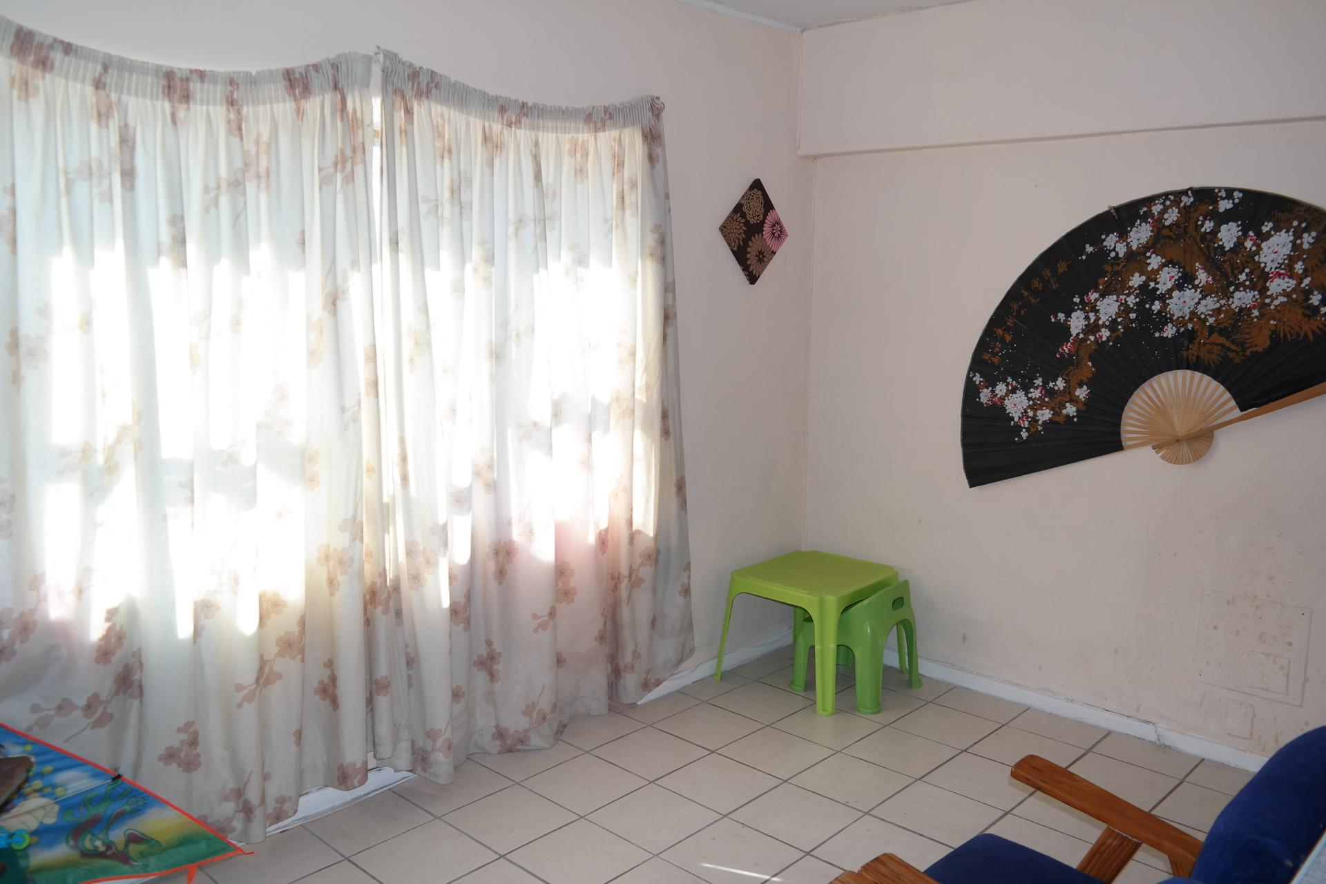 Lounges - 9 square meters of property in Bellville