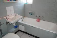 Bathroom 2 - 3 square meters of property in Bellville