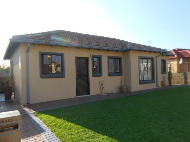 3 Bedroom House For Sale For Sale In Noordwyk Private