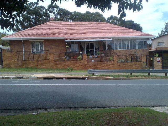 4 Bedroom House For Sale in Sophiatown - Home Sell - MR103568