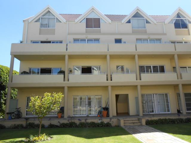 2 Bedroom Apartment for Sale For Sale in Somerset West - Private Sale - MR103591