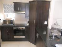 Kitchen - 12 square meters of property in Fourways Gardens